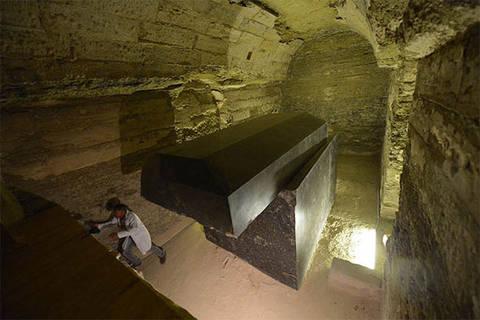 Пирамиды, кто их построил и зачем?